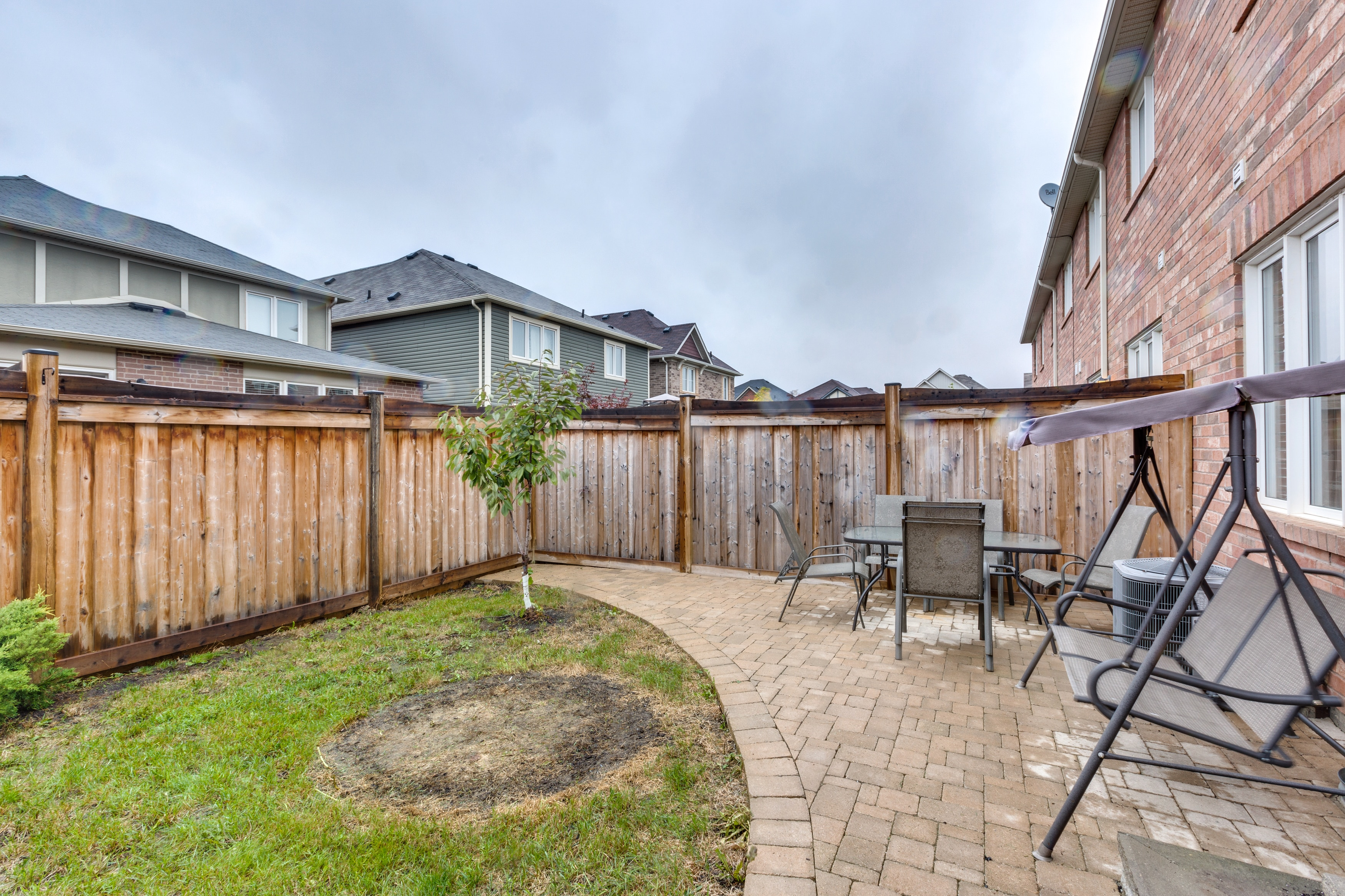 206 Woodley Cres 1