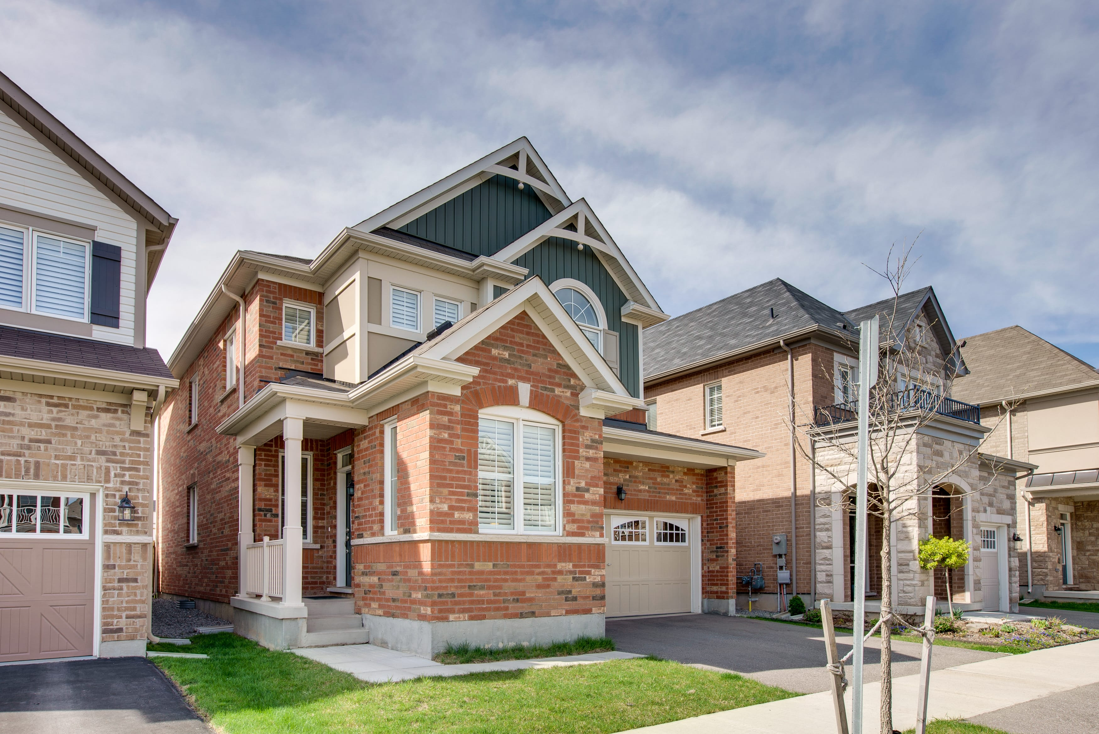 707 Shortreed Cres