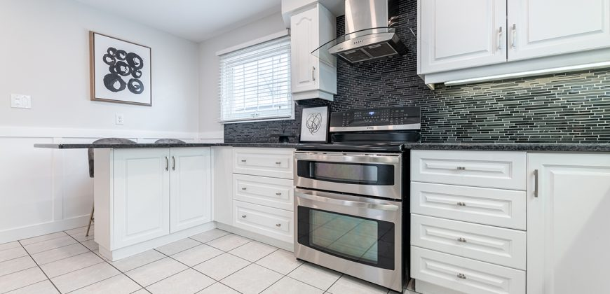 889 Maxted Crescent | Milton